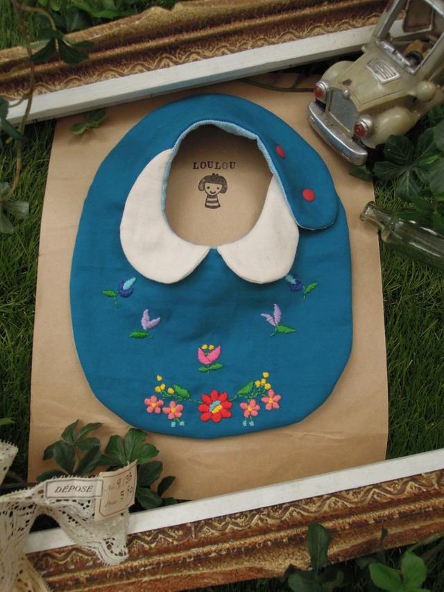 花モチーフ刺繍衿付きスタイ ダブルガーゼ  turquoise blue