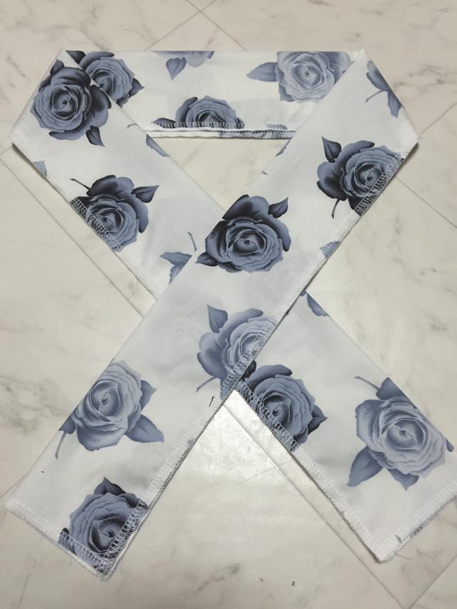 【再販】 白地に薔薇の半襟