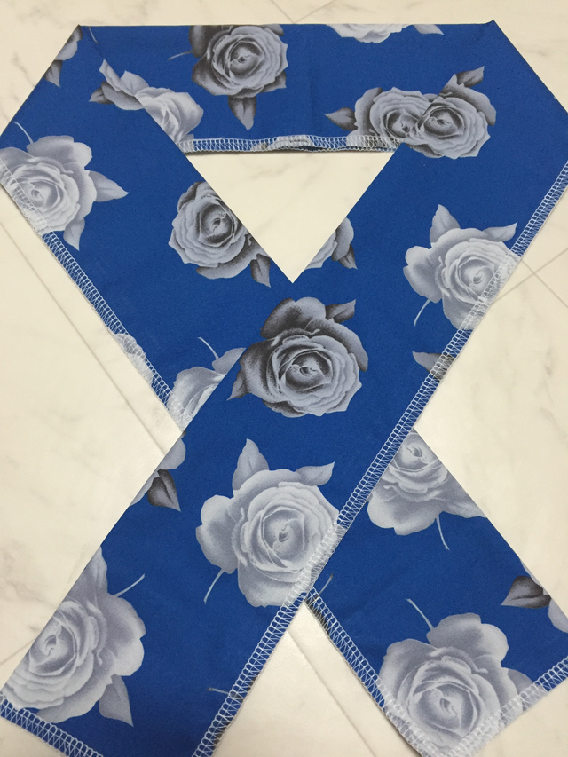 【再販】青地に薔薇の半襟