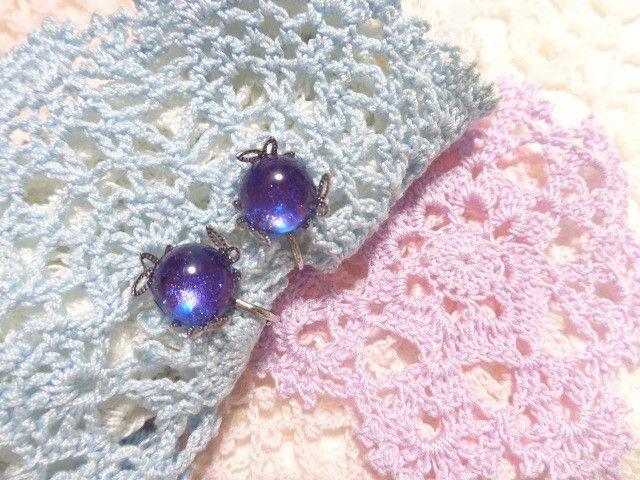 ブルーバイオレットのイヤリング(シルバーカラー)葉っぱ