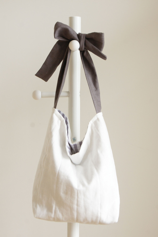【M】リネンキルティングリボンのバッグ(チャコールグレー)