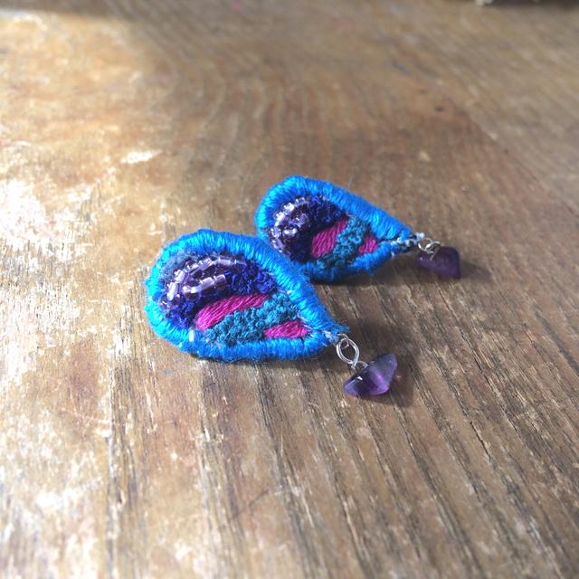 34opus 刺繍のピアス