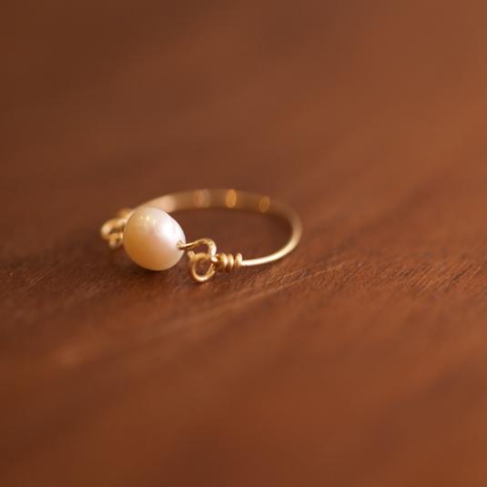 [ 真珠貝からの贈り物 淡水パールのひと...