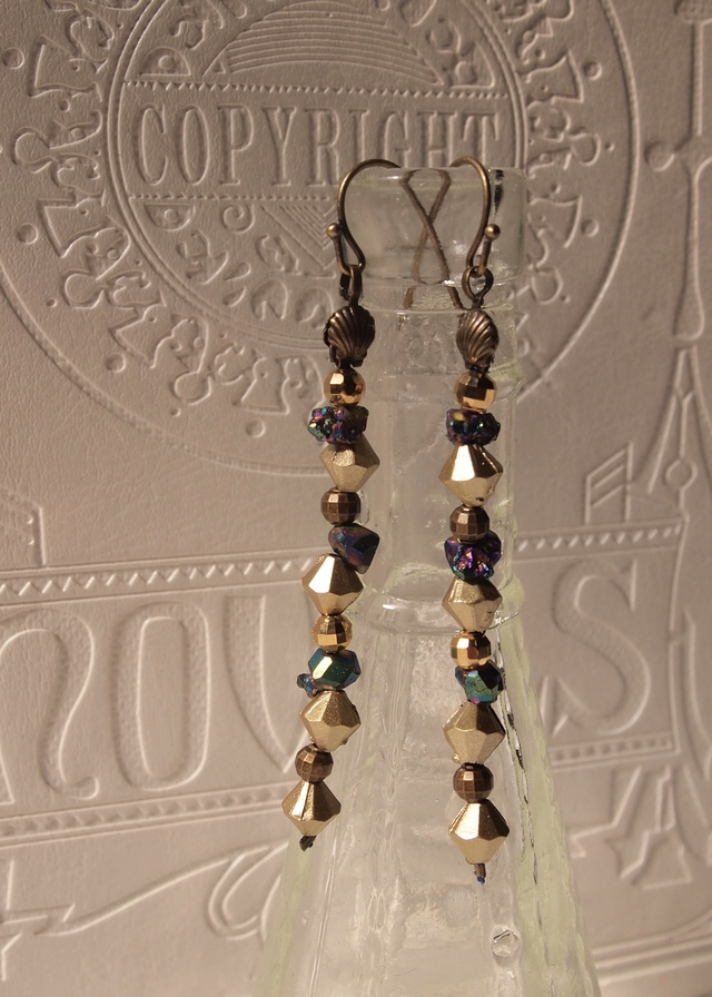 Luster stone & matte gold earrings