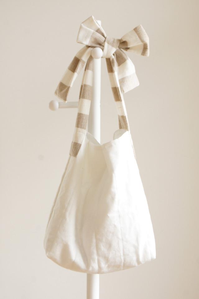 【L】リネンキルティングリボンのバッグ(白×ベージュ)