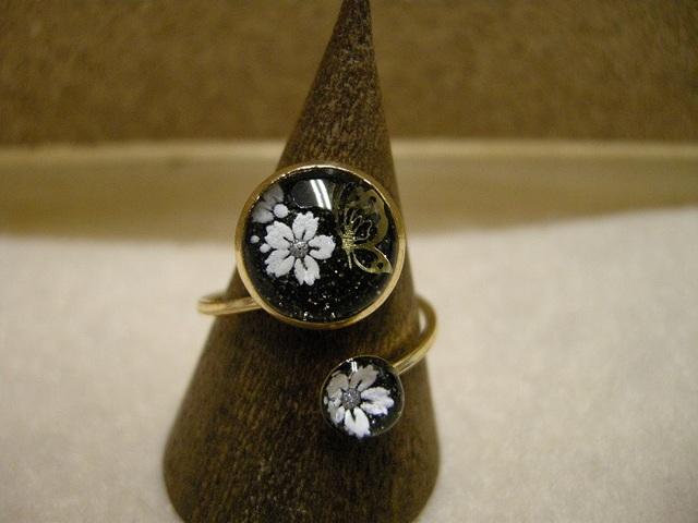 *桜と蝶のリング 黒ver.*
