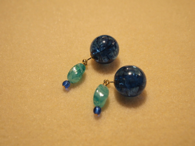 Cracked blue & marble green earrings