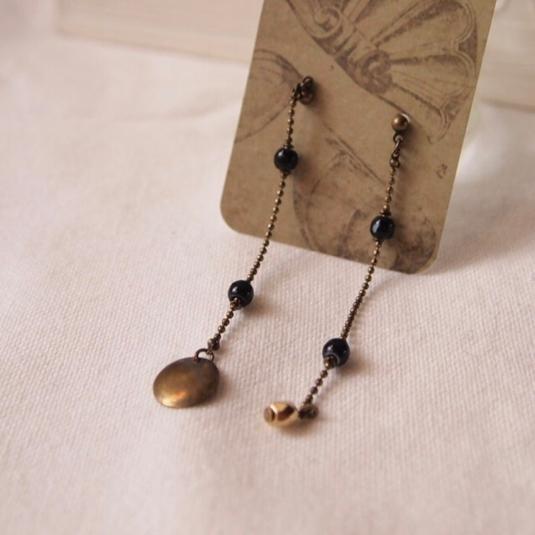 Black & gold long earrings