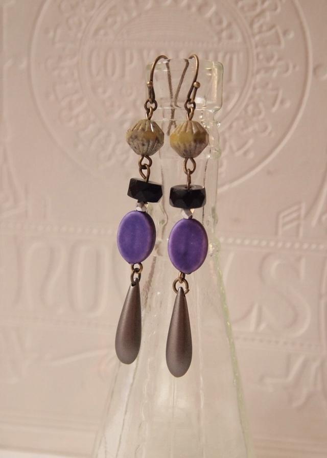 Chic purple earrings