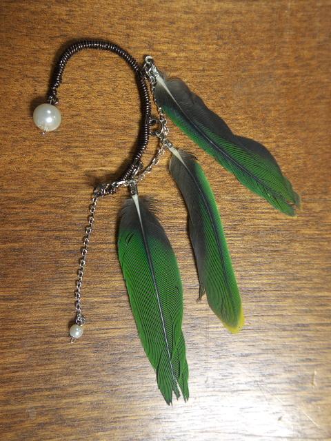 インコの羽根のイヤーフック(左耳用)