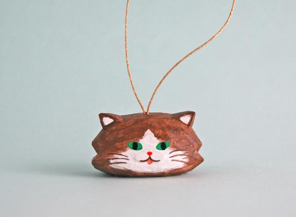 木彫り人形オーナメント こげ茶ねこ [...