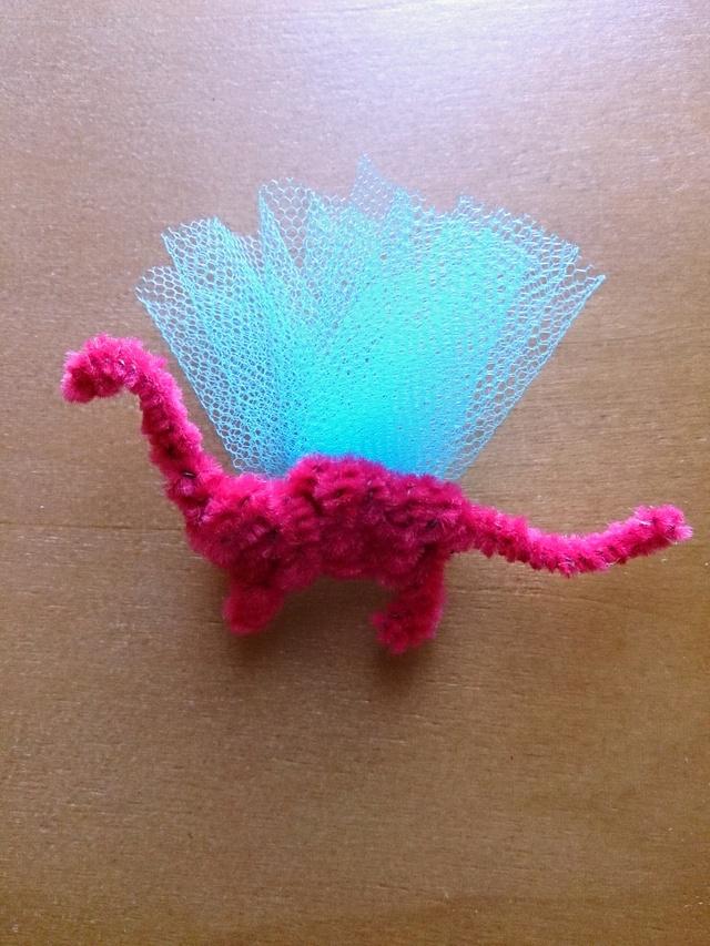 恐竜ブローチ ピンク