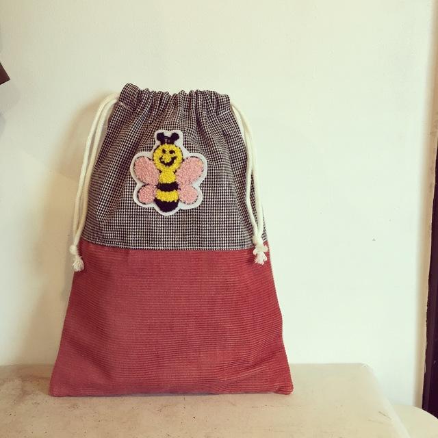 みつばちアップリケの巾着袋(BA-031)