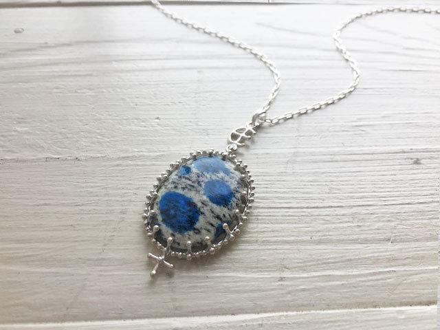 ヒマラヤK2ブルーのネックレス