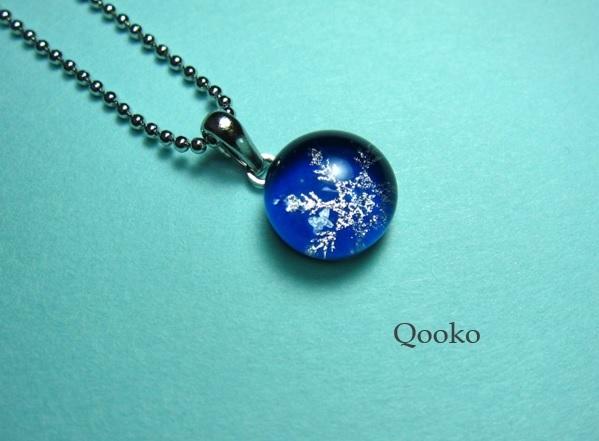 ガラスの水滴ネックレス 【 雪の結晶・...