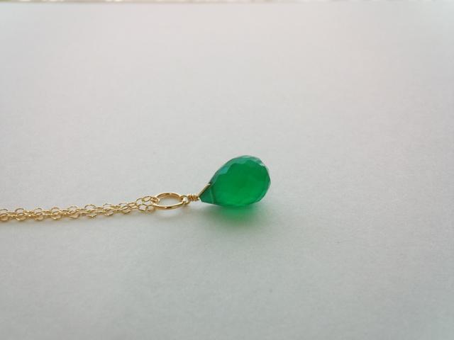 【14kgf】雫型グリーンオニキスの一粒ネックレス