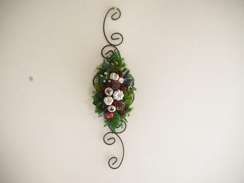 アイアンベースのクリスマス壁飾り
