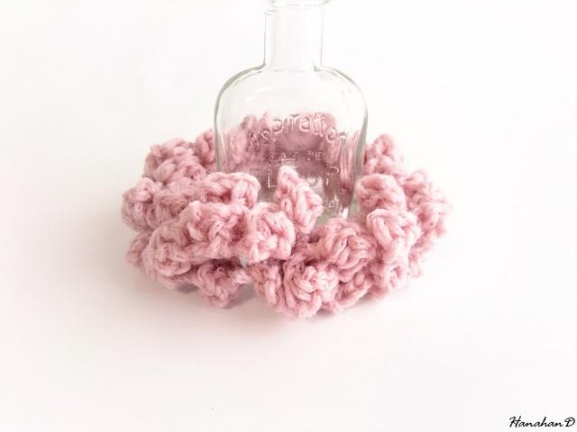 モコモコウールシュシュ 手編みピンク