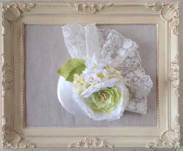 染め花のサテンとレースのボンネ(ホワイト)