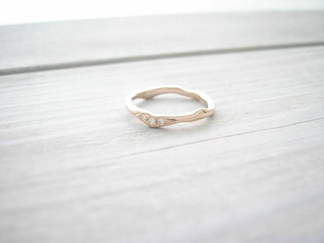 k18ローズゴールド‐3粒プチダイヤモンドリング