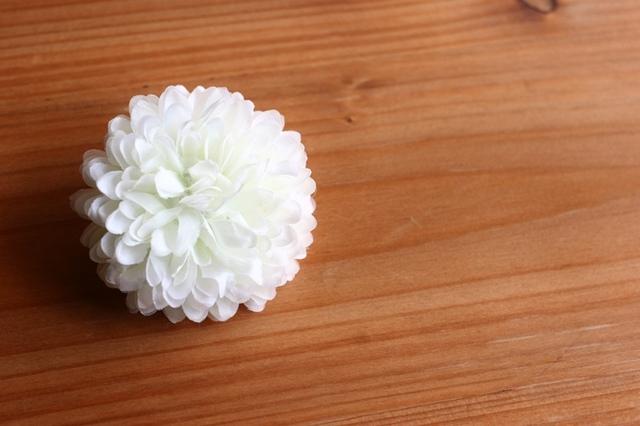 mini corsage / マム:ホワイト系