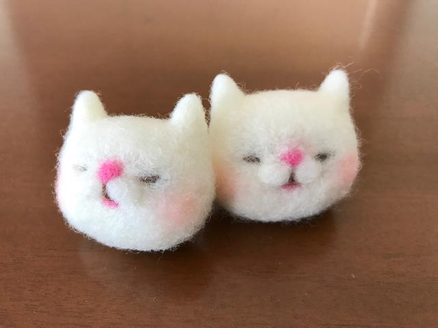 再販   羊毛猫さんブローチ