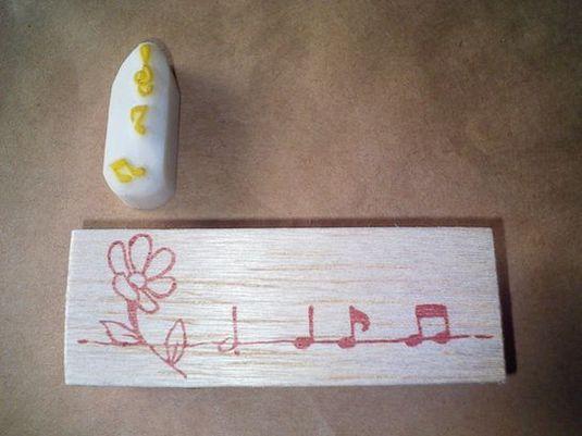 花と音符のライン