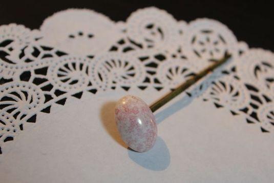うす桃色のヘアピン