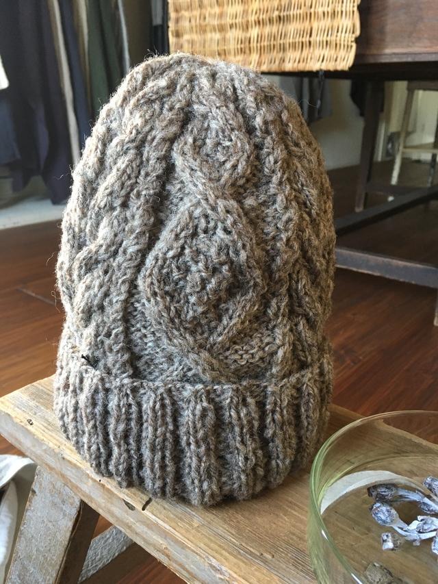 手紡ぎ毛糸のアランニットキャップ