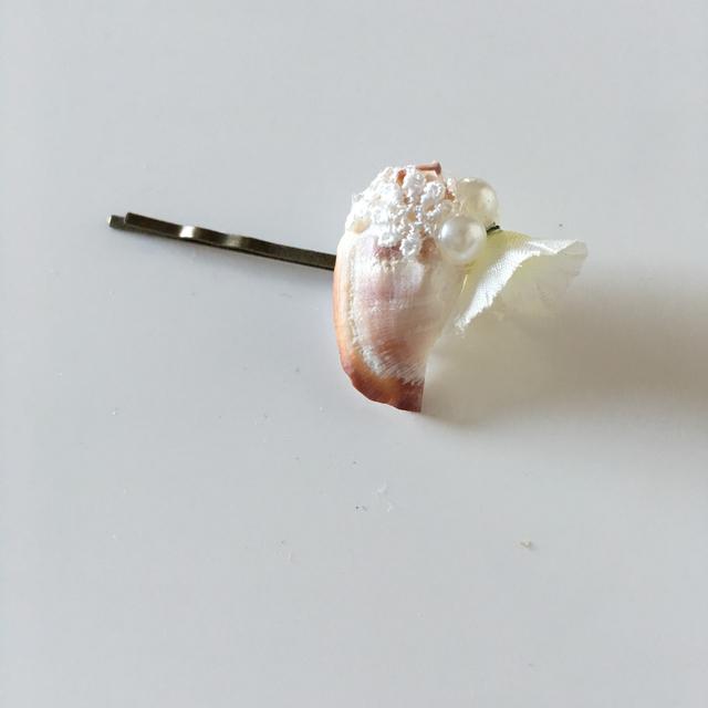 sale フラワーピン 小さな貝とお花b