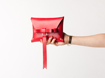 ヌメ革 BOW CLUTCH! RED