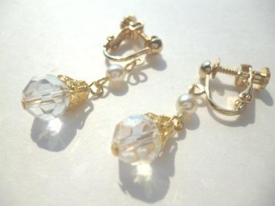 パール・カットガラスのイヤリング