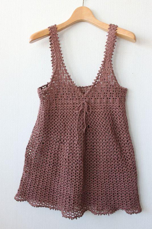 かぎ針編みのキャミソール