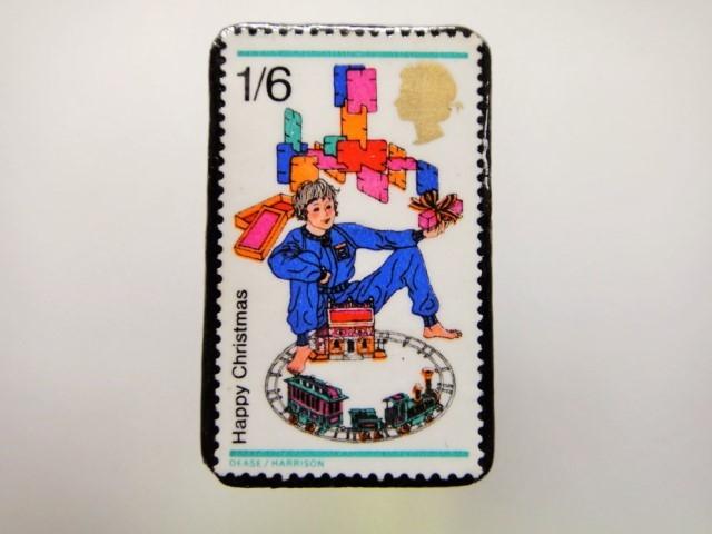 イギリス クリスマス切手ブローチ1933