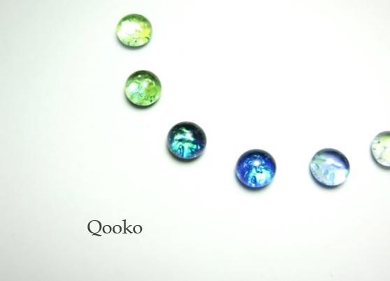 ガラスの水滴ピアス 【 オパール 】