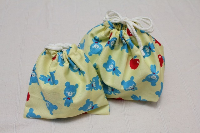 お弁当袋と巾着 くまとりんご