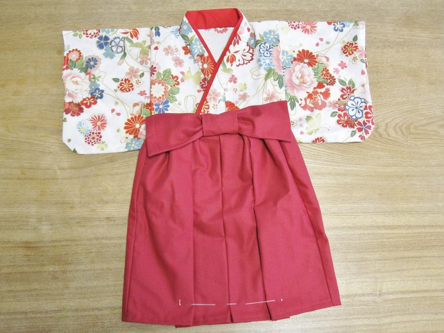 tnk30様オーダー品 赤 花柄 着物&袴...