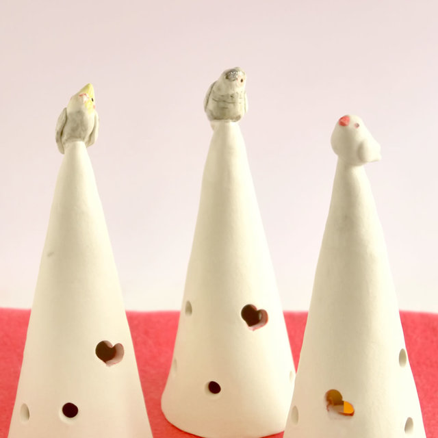 陶器の小鳥とクリスマスツリーオブジェ...