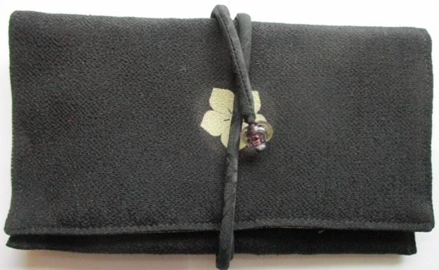 着物リメイク 黒の縮緬の留袖で作った...