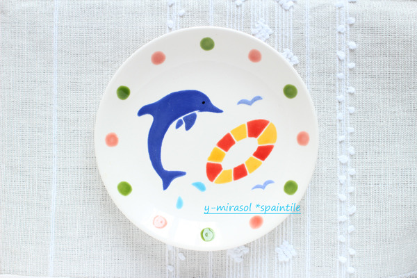 イルカの絵付け皿