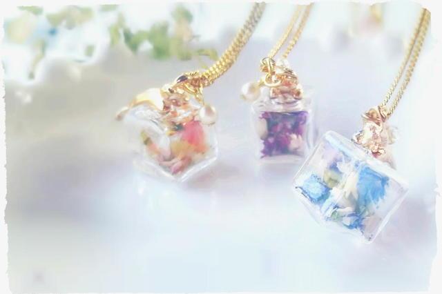 小さな子猫と硝子箱のネックレス*ガラス...