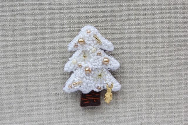 ホワイトクリスマス フェルトブローチ