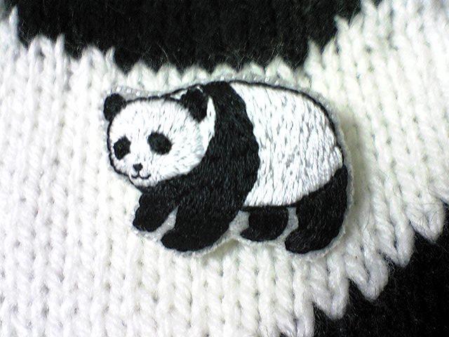 パンダさんのふっくら刺繍ブローチ