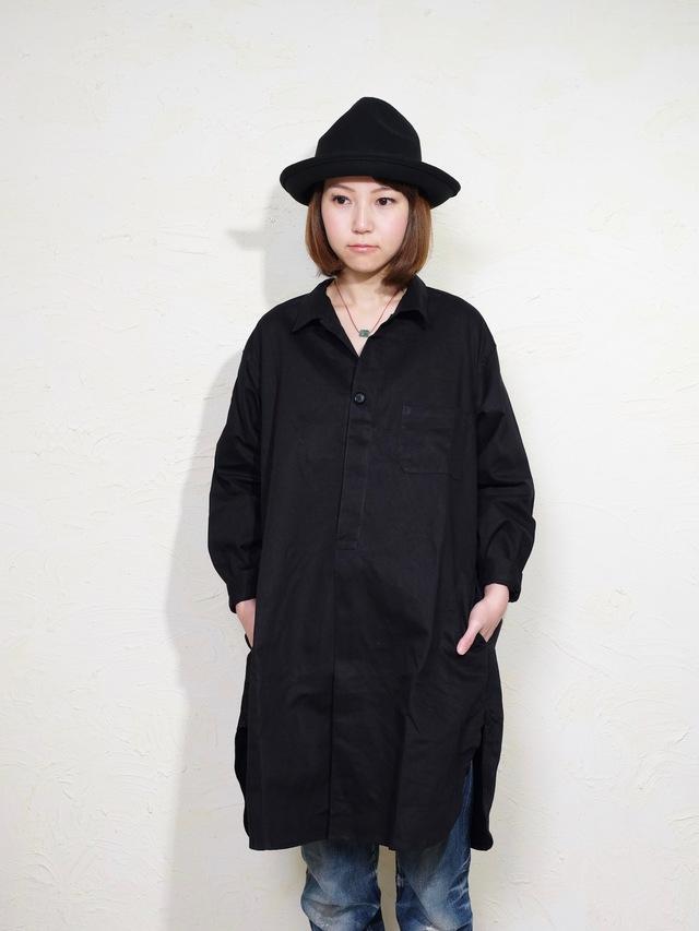 toto shirts/ black