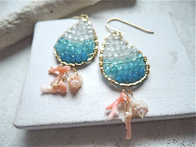 Ocean Blue Gradation with Coral&Shell