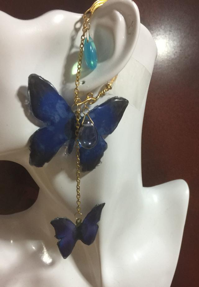 2種の蝶々のイヤーフック