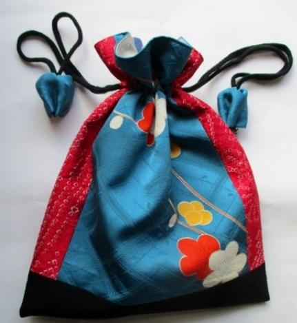 着物リメイク 絞りと花柄の振袖で作っ...