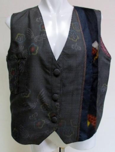 着物リメイク 着物で作った綿入りベス...
