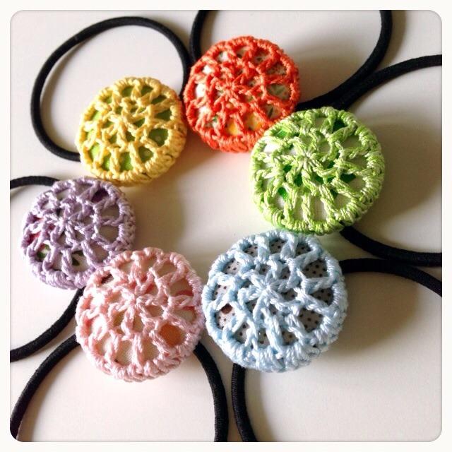 編みくるみボタンのヘアゴム(ライトカラー)