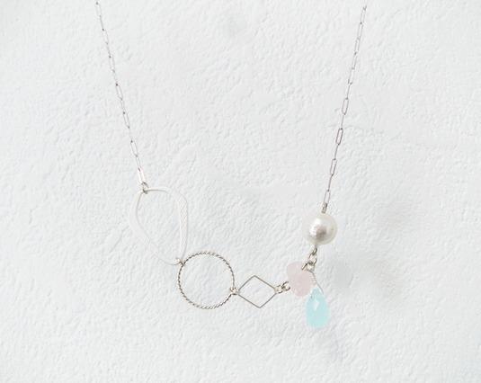 (再販)淡い色のネックレス